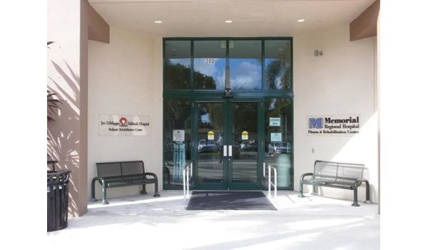 DS231 - Custom Dimensional Signage for Healthcare