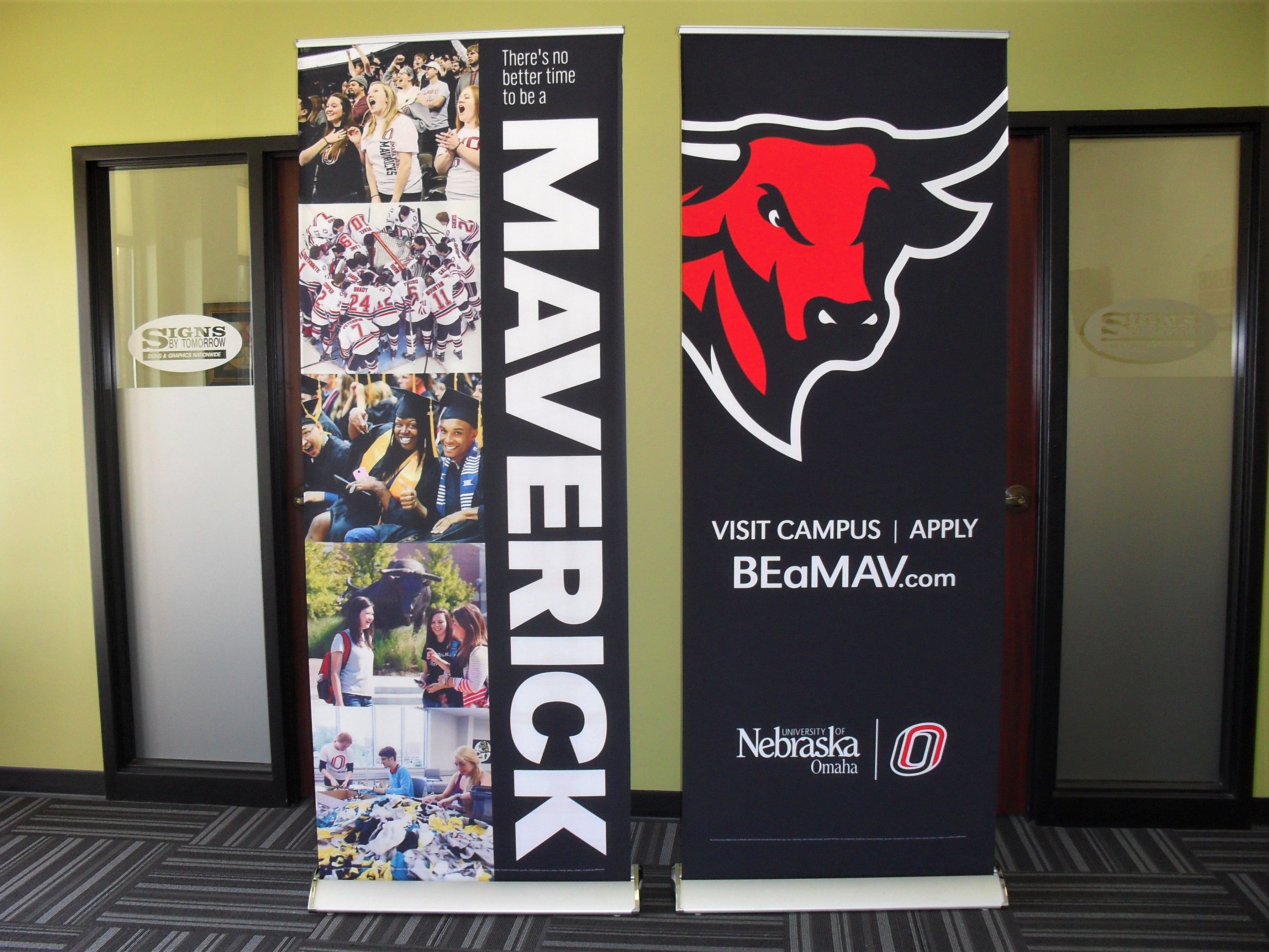 Retractable Banners Pop Up Banners And Stands Image360