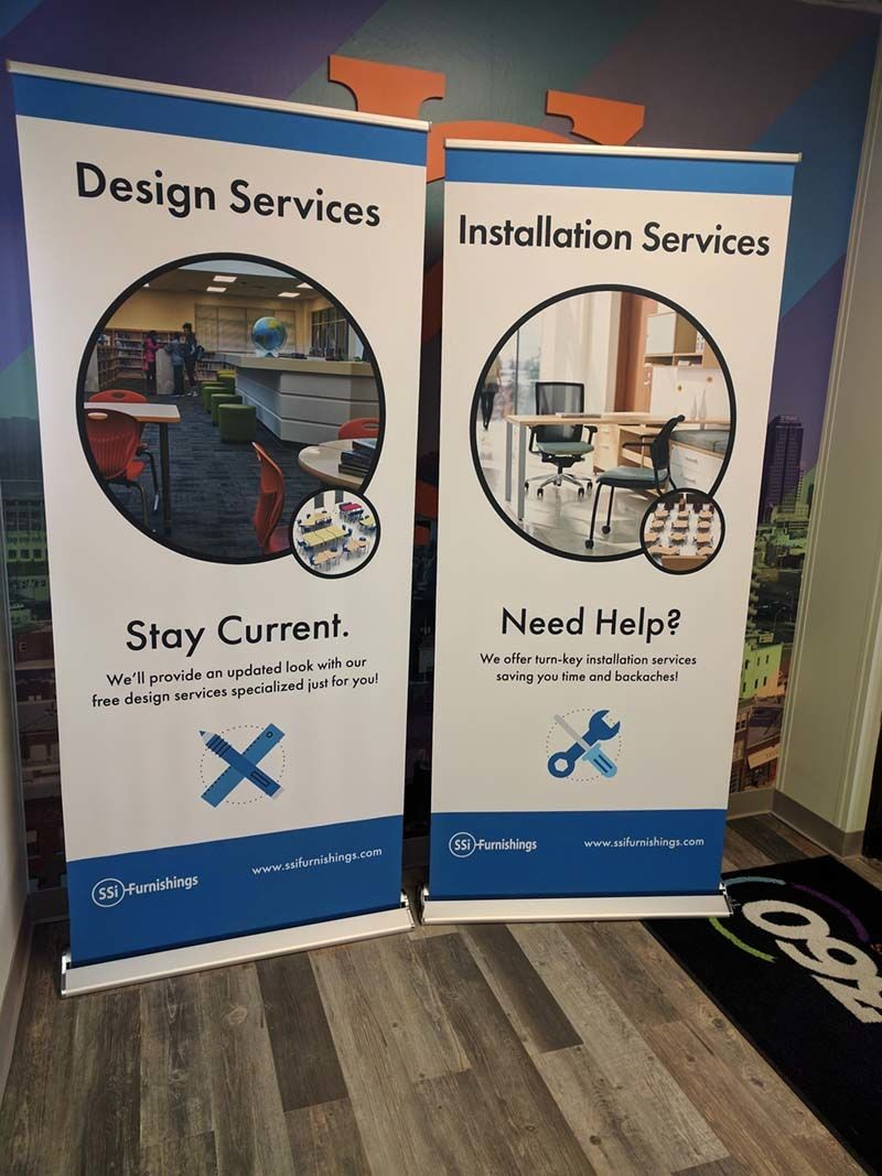 Fabric Retractable Banner Stands for Turn the Page Online Marketing in Lee