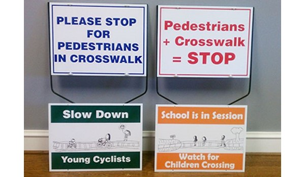 - Image360-Tucker-GA-yard-sidewalk-signage-Slow Down_School In Session