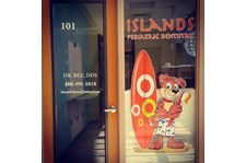 Window Graphics for Islands Pediatric Dentistry