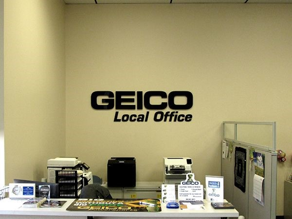 Interior dimensional wall logo for Geico in Newington, CT.