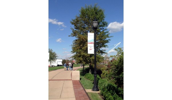 Fabric light pole banners